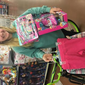2017 MS Pre-Teen shopping for her Christmas Angel Tree Children!! #namgivesback